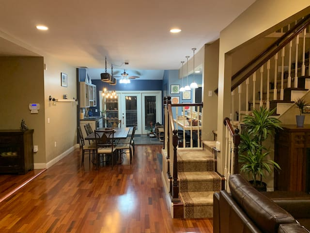Beautifully Renovated Downtown Home