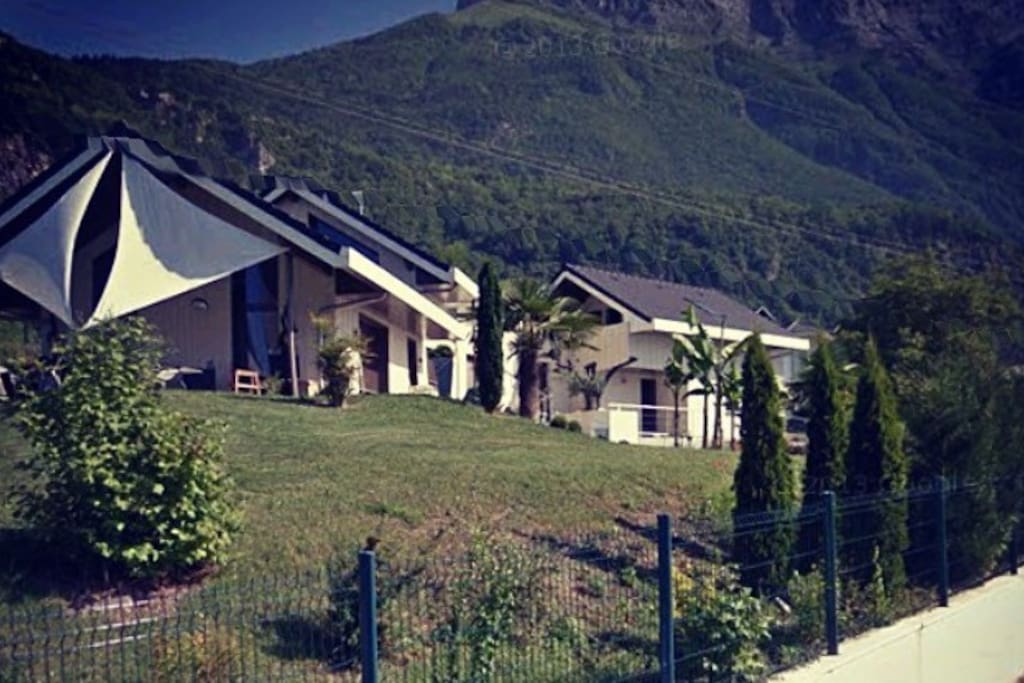 Villa d 39 exception avec piscine en combe de savoie for Piscine en savoie