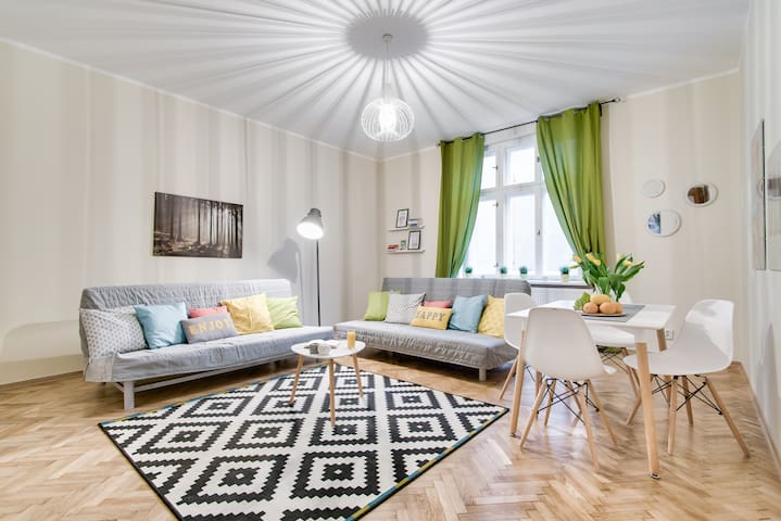 Modern apartment in Old Town 1 min to Main Square - Cracovie - Appartement