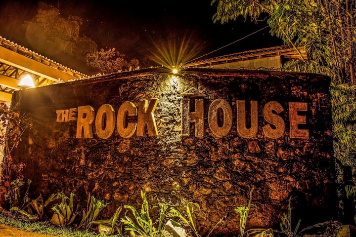 Welcome to the Rock House Holiday Bungalow!