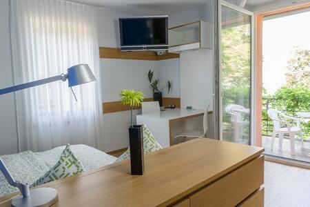 (1 Zimmer) Libelle mit Balkon, zentral, ruhig