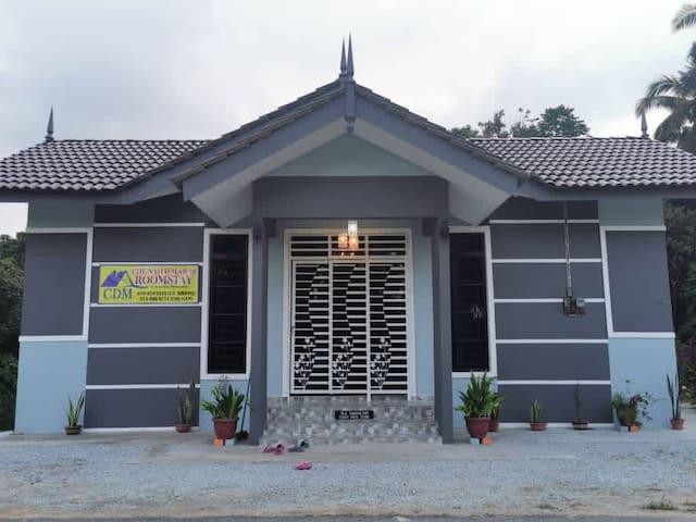 Che Nah D'Maras Roomstay A UMT/UNIZA/JETI P REDANG