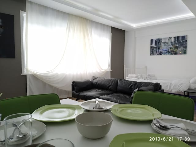 Super Clean Entire Flat in Nişantaşi (no:1)