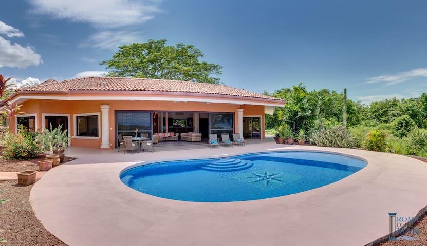 Villa Vista de Isla, Oceanview & Pool, Costa Rica