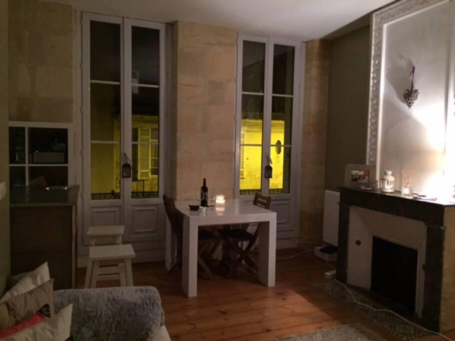 Beau t2 bis chartrons proche quais apartments for rent for Beau jardin apartments reviews