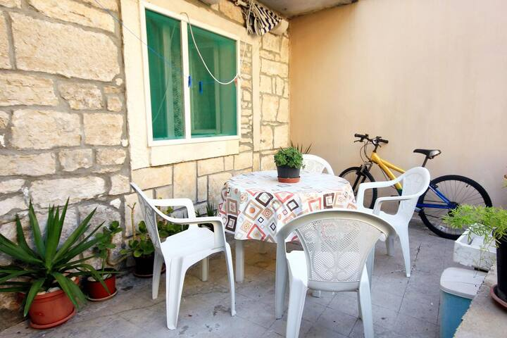 Two bedroom house with terrace Prigradica, Korčula (K-192)