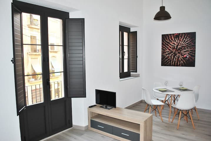 LOFT CASCO ANTIGUO / HISTORICAL QUARTER - Tarragona - Apartament