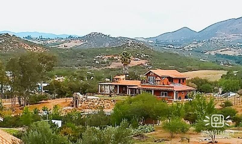 Deluxe Villa (Barrell Suite)