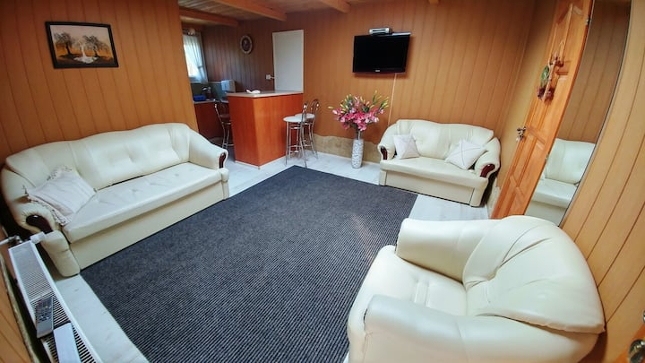 P3 Lodge Apartment with A/C near the Airport