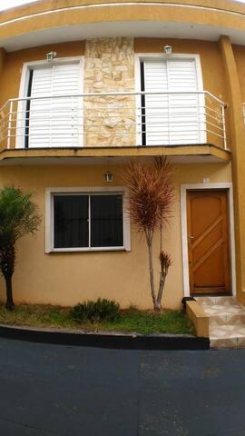 Casa em Condomínio próximo Shopping Aricanduva