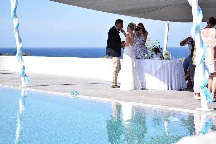 Private wedding luxury villa-Accommodation &Events
