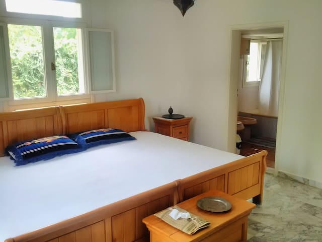 2nd Floor Twin/Double with Mountain, Garden & Sea View