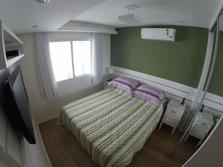 Main Suite - Queen size bed / Suite Principal - Cama Queen