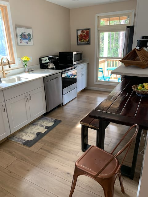 Charming, private Bluffton guest house!