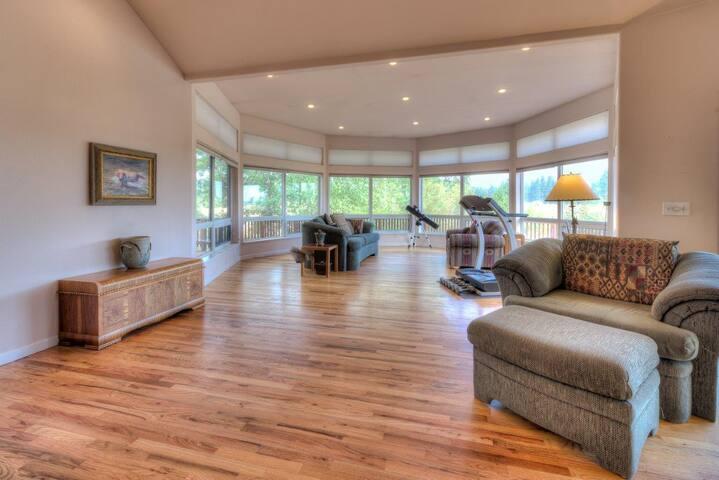 Wood Design Interior Home Livi E A on