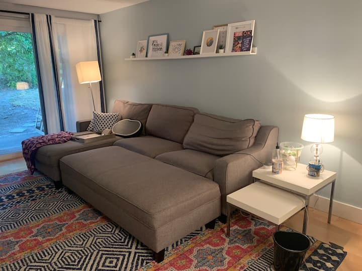 Private 2 bedroom, 1 bath condo for rent