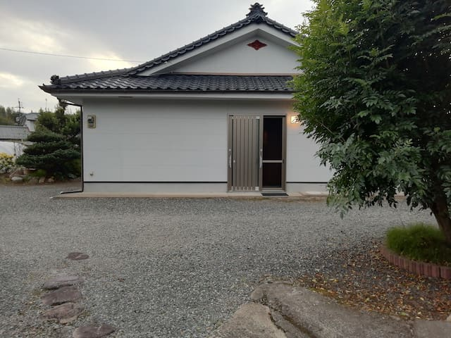 ☆ 一軒家貸切!  一泊10000円(3名様まで)