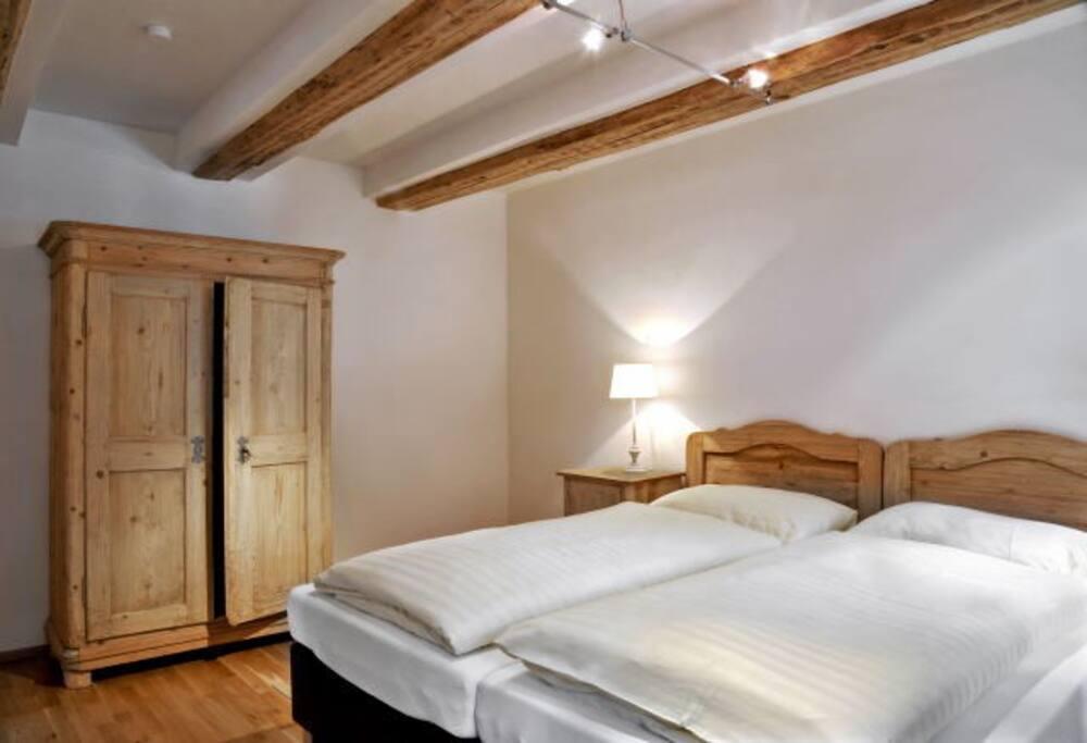 """2. Schlafzimmer des Apartments """"Dorfplatzl"""" (2 Betten + Zusatzbetten möglich)"""
