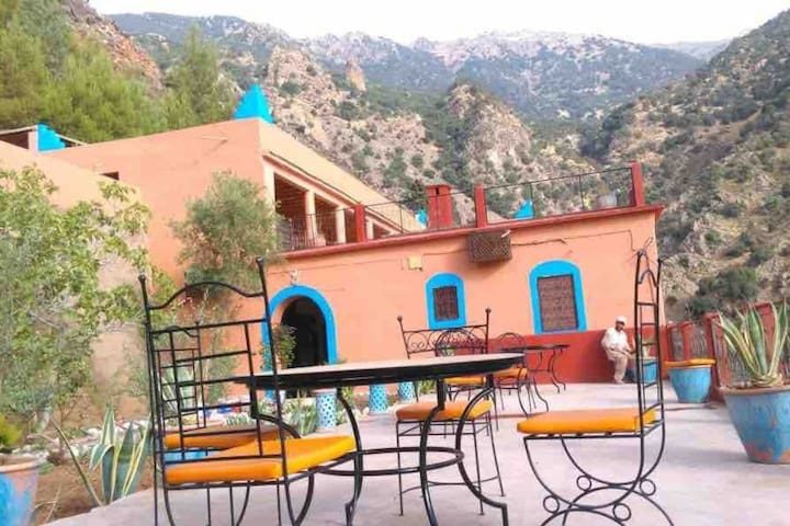 9 Bedroom Mountain Retreat