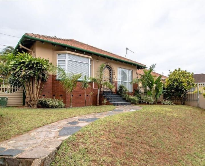 Spacious 3 Bedroom House, 15 min away from Durban