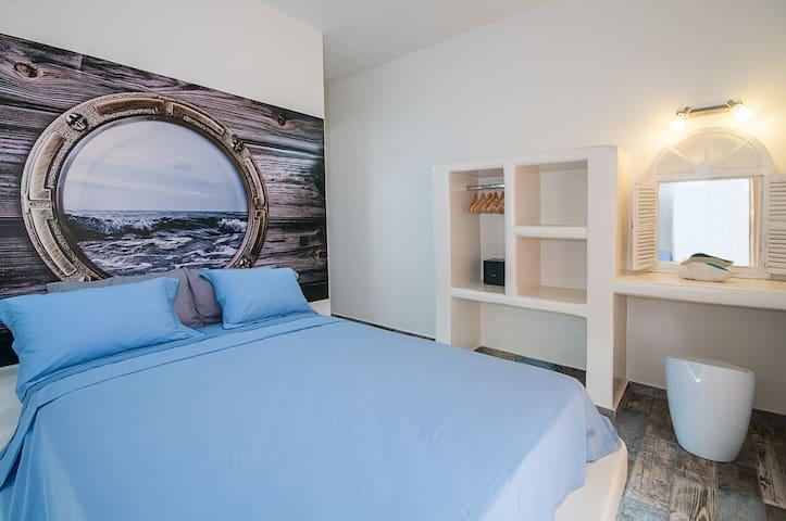 BLUE DREAM APPARTMENT (Sea and mountain view) - Kamari - Apartment
