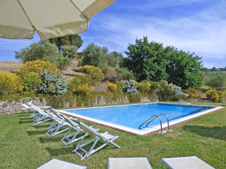 P. Oasi, private villa w/ fenced pool, view. WiFi