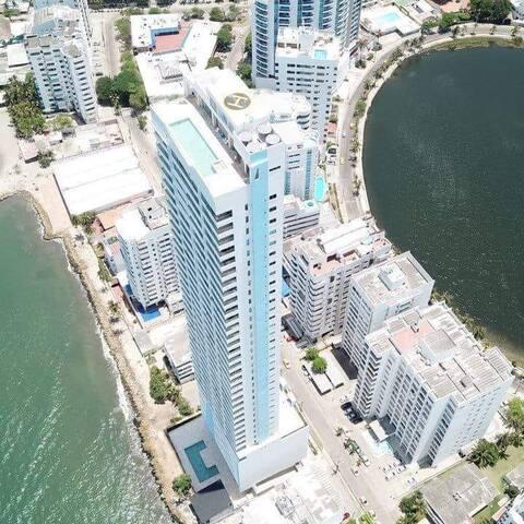 Splendid Caribbean-front Loft El Laguito Cartagena