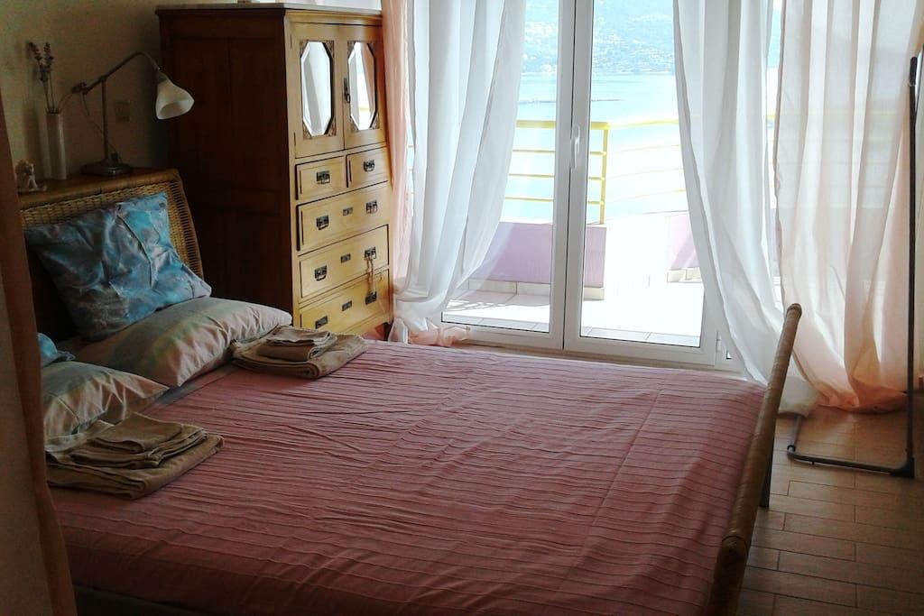Double bedroom - sea view