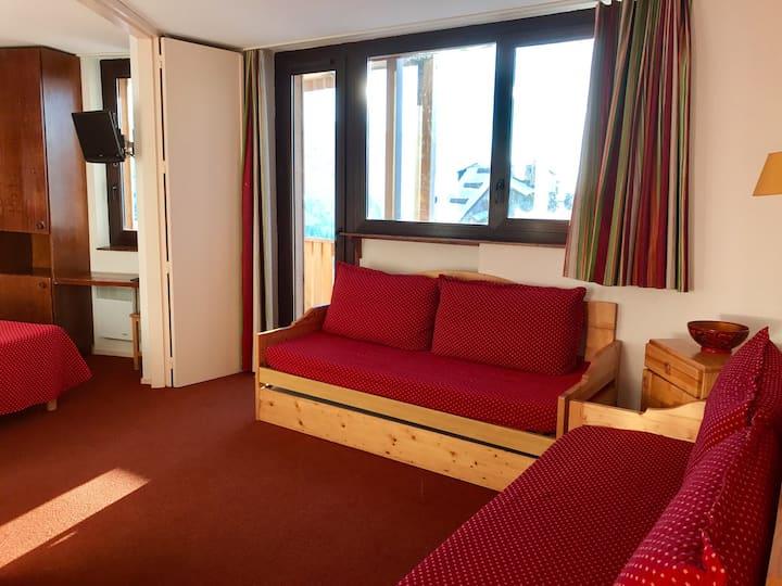 1bdr for 5 Avoriaz centre, ski in ski out, balcony