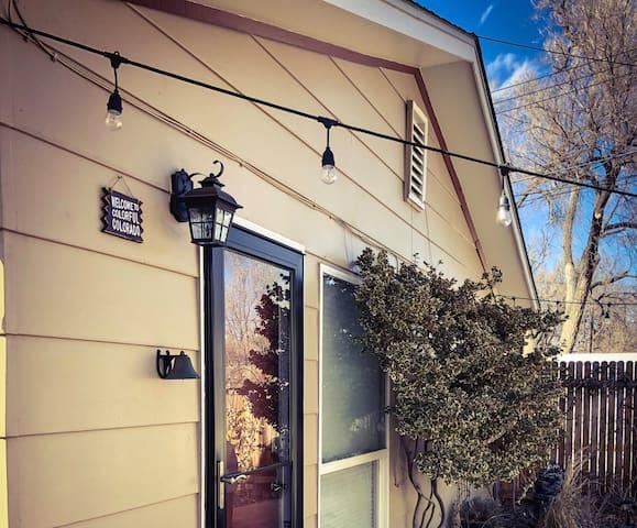 Colorado Springs Guesthouse - Colorado College