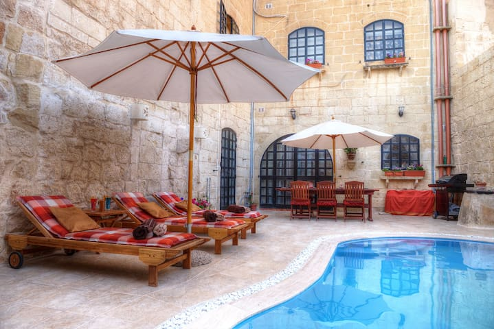 Id-Dwejra House of Character with private pool - Zejtun - Casa