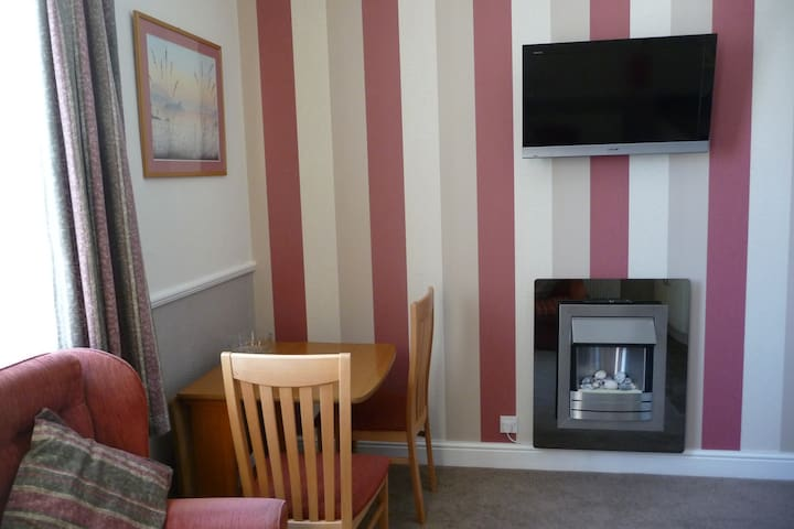 No 1 Apartment Highcliffe Holiday Apartments