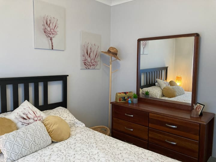 Excellent value room rental in large classy home