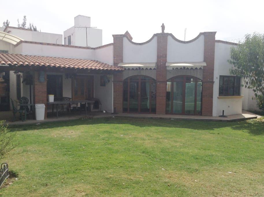 Casa de visitas totalmente independiente