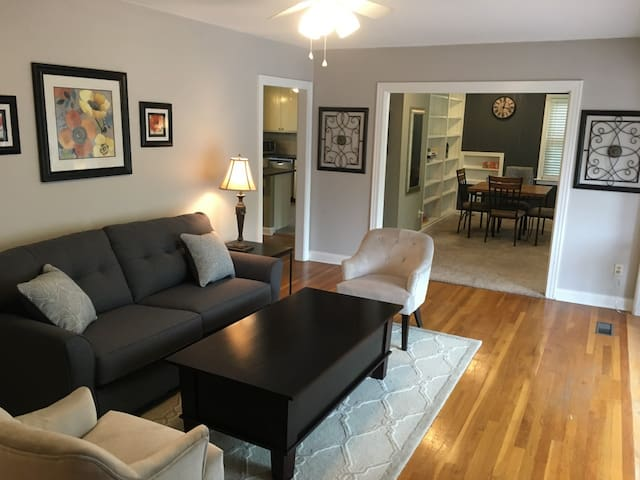 Centrally located house in Tarrytown