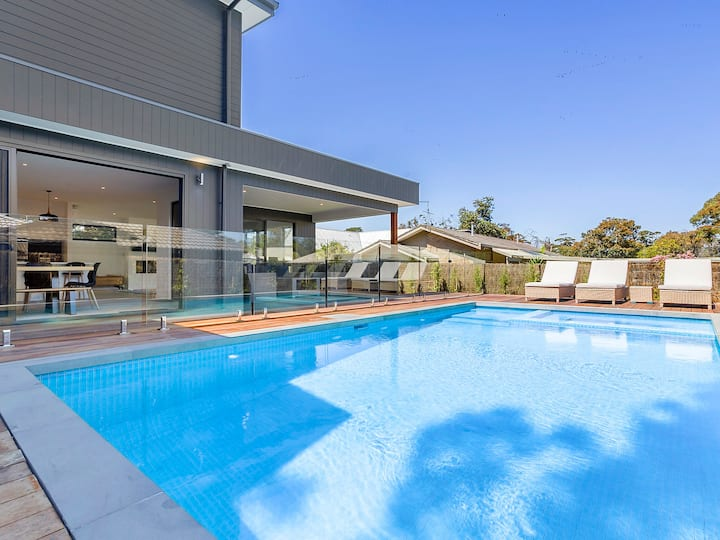 New House with Pool - Spa and 300m walk to Beach