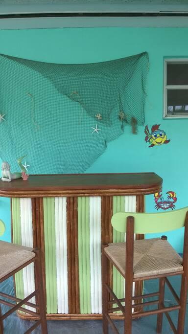 Fun Tiki Bar Area, Screened patio