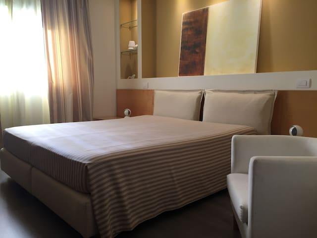 Camera singola con colazione inclusa