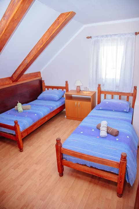 Guest house Madzarevic 1