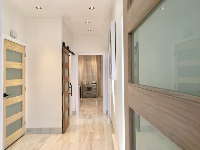 Entry hall3 Rd floor