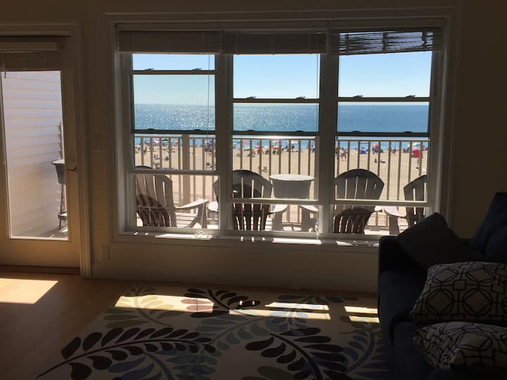 Spectacular Views From Beachfront Condo