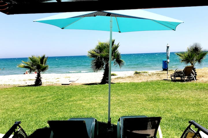 ★ Beach house right on the sea!★FIRST LINE | Wi-Fi