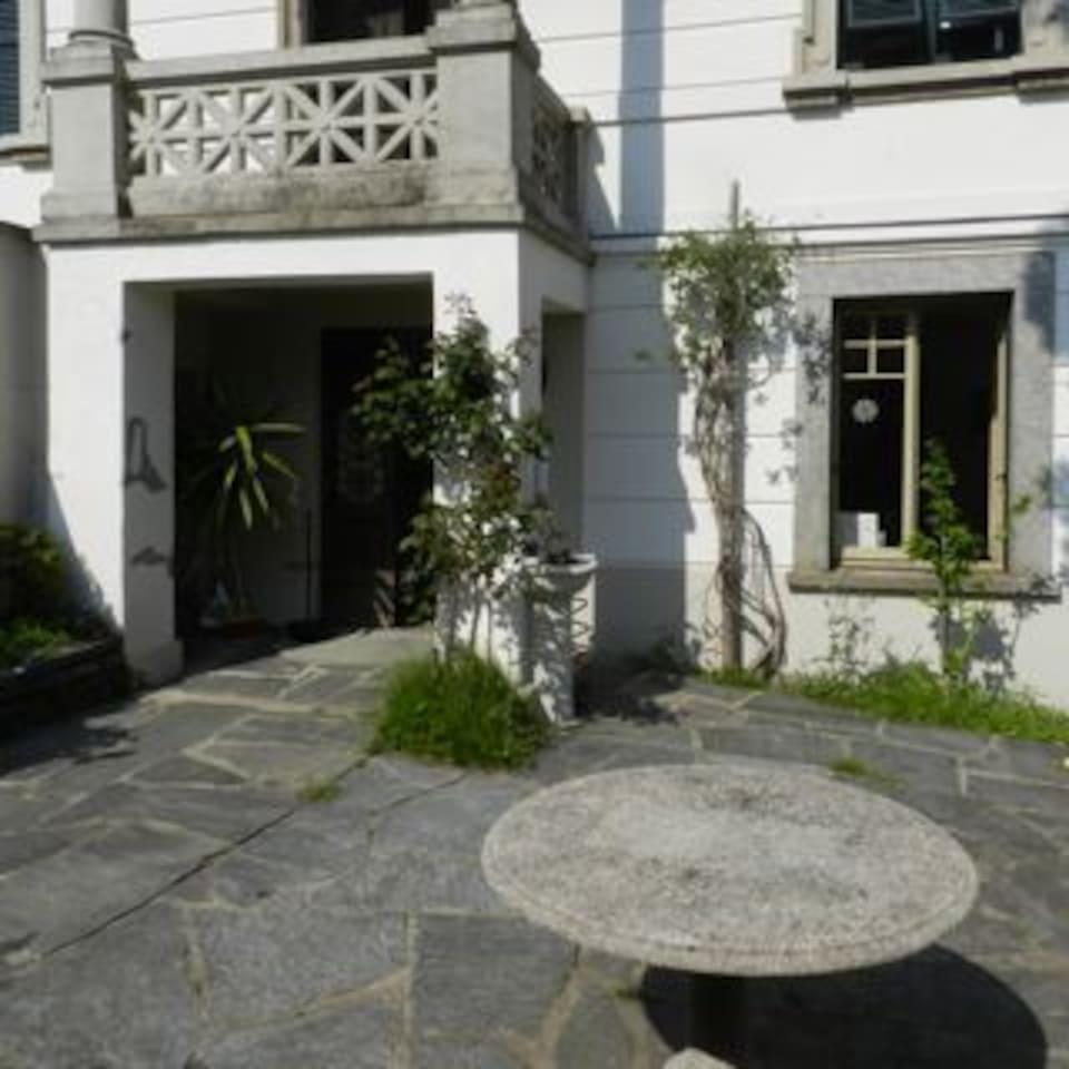 in pieno centro città di Lugano, appartamento con giardino