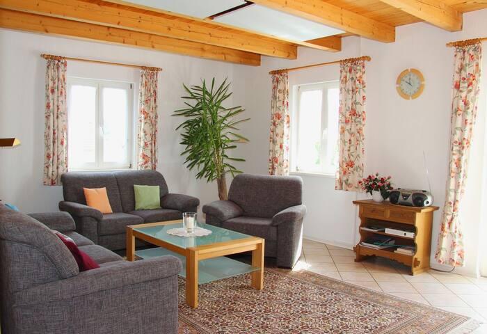 Haus Schlegel (Kressbronn am Bodensee), Maisonette-Wohnung