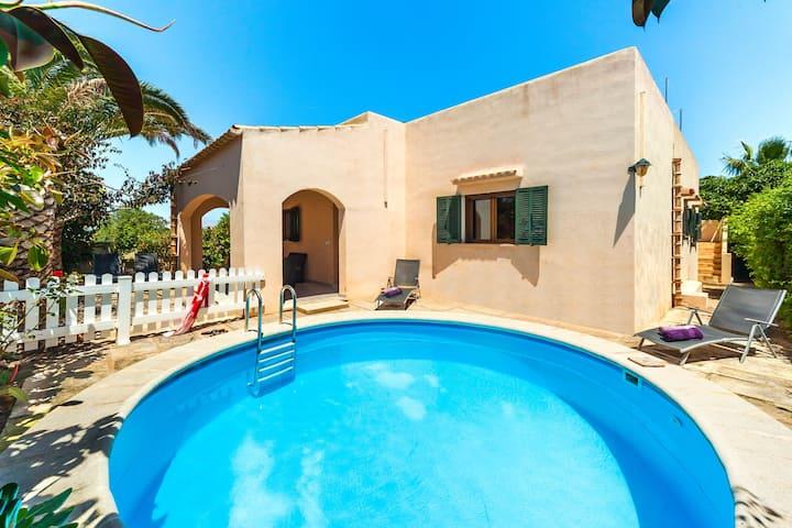 Family-friendly villa with pool - Casa Mediterranea I