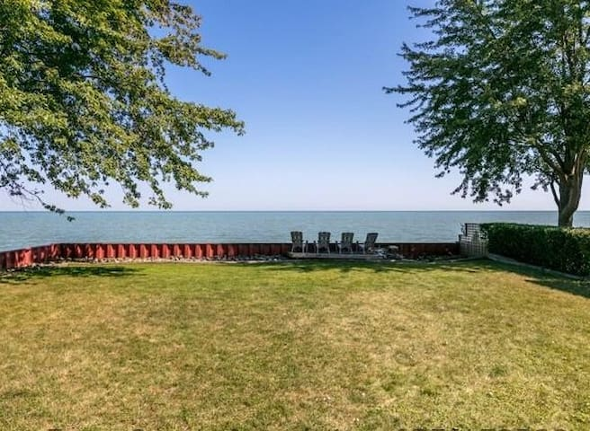 Escape to Lake St. Clair! Waterfront Lakefront
