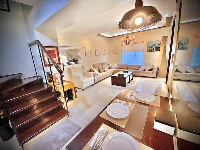 3 Bedroom Beautiful & Cozy Apartment Loft Makati