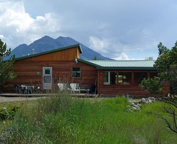 Peaceful 2BR Emigrant Cabin - Pray