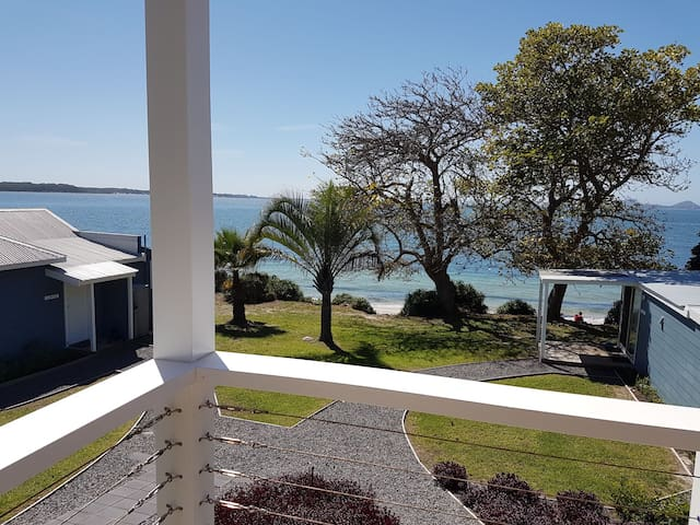 Fabulous view - direct beach access - Soldiers Point - Kulübe