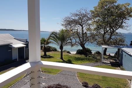 Fabulous view - direct beach access - Soldiers Point - Stuga